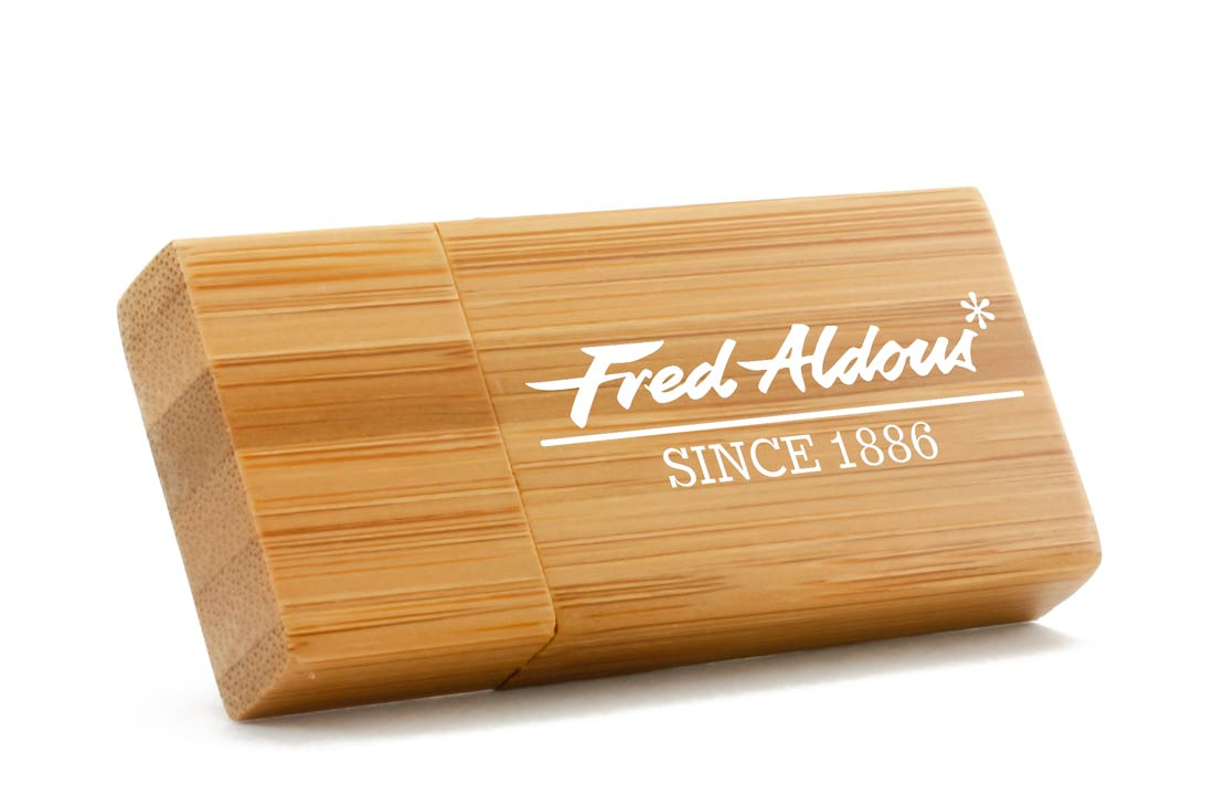 custom wooden flash drive